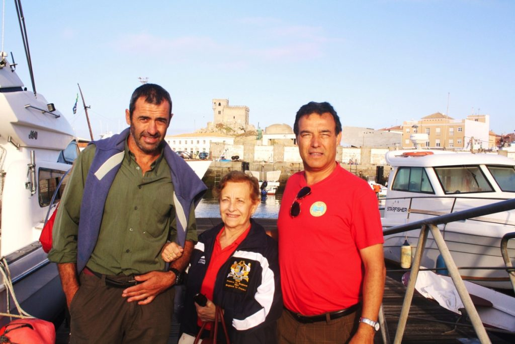 Montserrat Tresserras, first spaniard who swim across the Strait, and Rafael Gutiérrez founder of The Strait of Gibraltar Swimming Association (ACNEG)